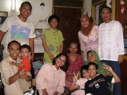 @rinang, nuq, nina, romi, @yul, faren, kiki, ibu tami suryo, ara, lui, rawi